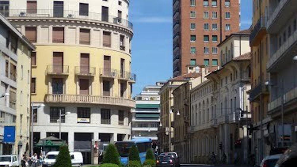 Mercatino street market in corso milano il 16 aprile for Corso stilista milano